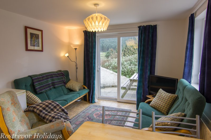 Roosley, Living Room, Rostrevor Holidays