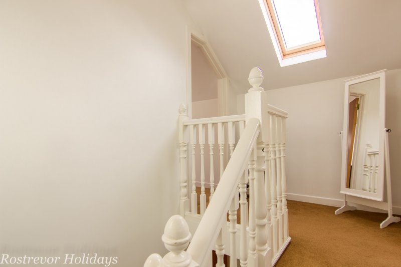Roosley, Upstairs Landing, Rostrevor Holidays