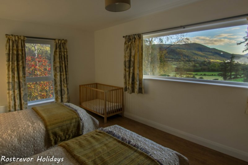 a Rostrevor Accommodation Mountain Views