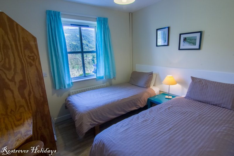 Twin Bedroom, Cnoc Si, Rostrevor Holidays (2)