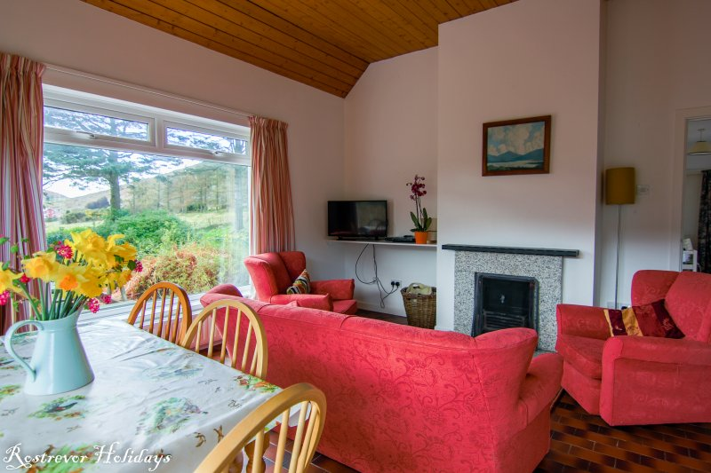 Kitchen living area in Leckan Mor, vacation rental Ireland