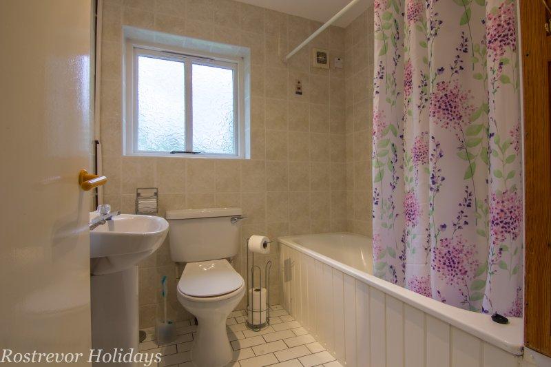 Bathroom Slieve Martin Holiday Cottage Ireland