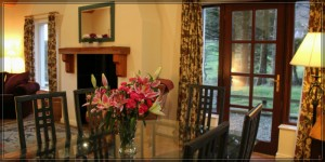 Dining Room Carnaclasha, 5 star holiday cottages