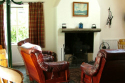 The Ceili House. Sleeps 6. 2 ensuite rooms, 1 loft. Dog Friendly.
